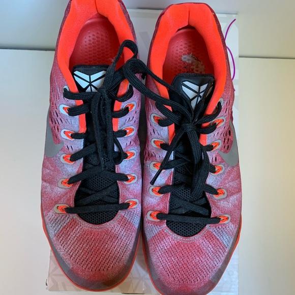 purchase cheap 13a8c 79fc1 Kobe IV Prim Bright Crimson Size 9. M 5c0d4167bb76155d6c5ea7f6